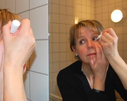 Øyedrypping-se i speil