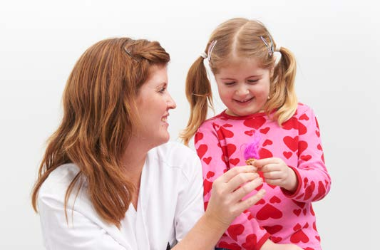 Radiolog og liten jente