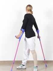 Unngå for mye vridninger og brå bevegelser i hoften.